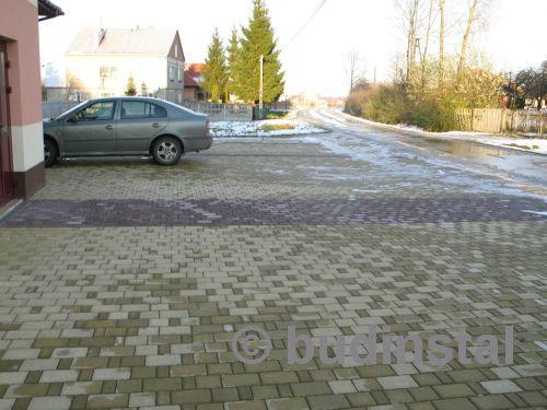 parking-z-kostki-brukowej-przy-remizie-osp-w-jastrzabce-