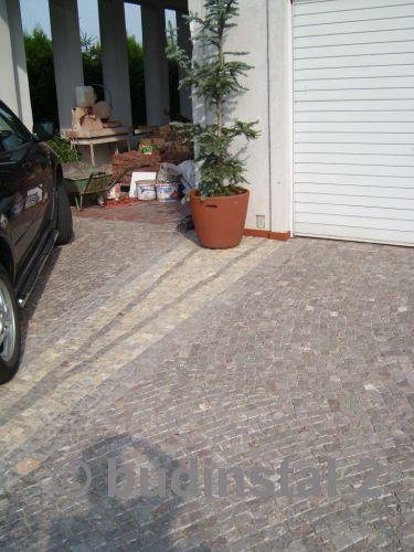 kostka_granitowa_podjazd_do_garazu